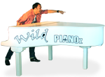 Wild-Pianoshow-Andy-pointing